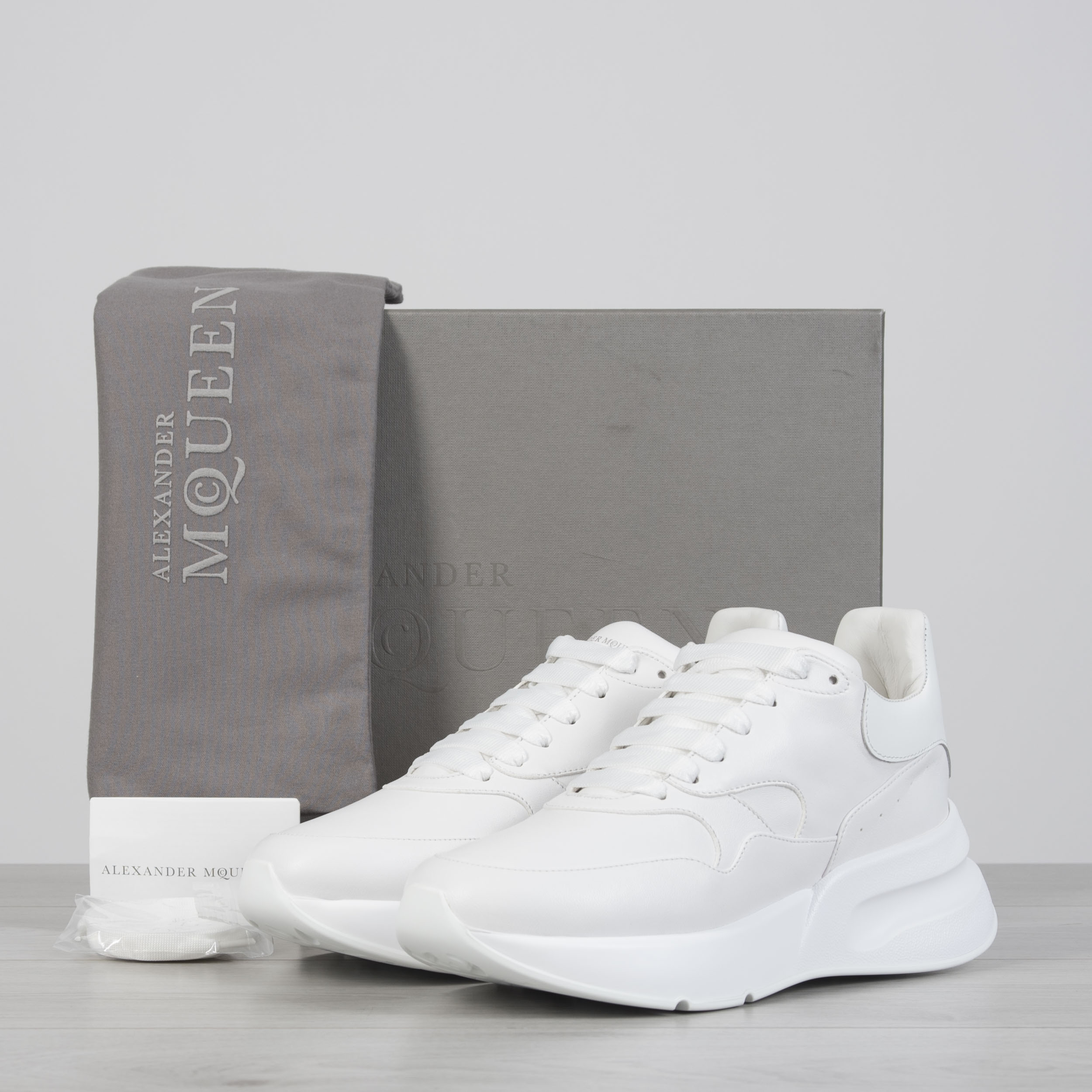 Details about ALEXANDER MCQUEEN 790$ Oversized Runner Sneakers In Optic  White