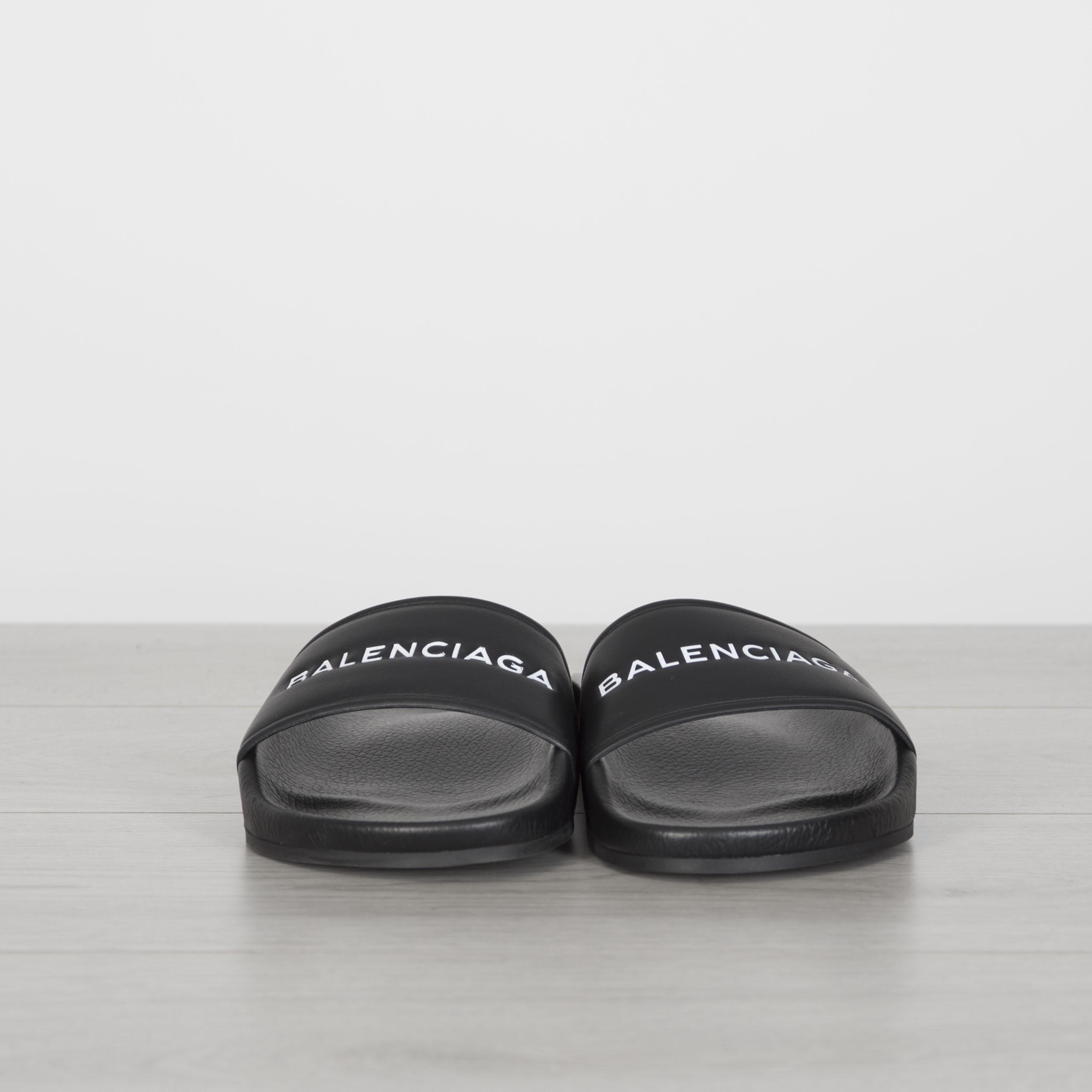 ada819d825e6 BALENCIAGA 575  Authentic New Black Leather Logo Print Slide Sandals ...