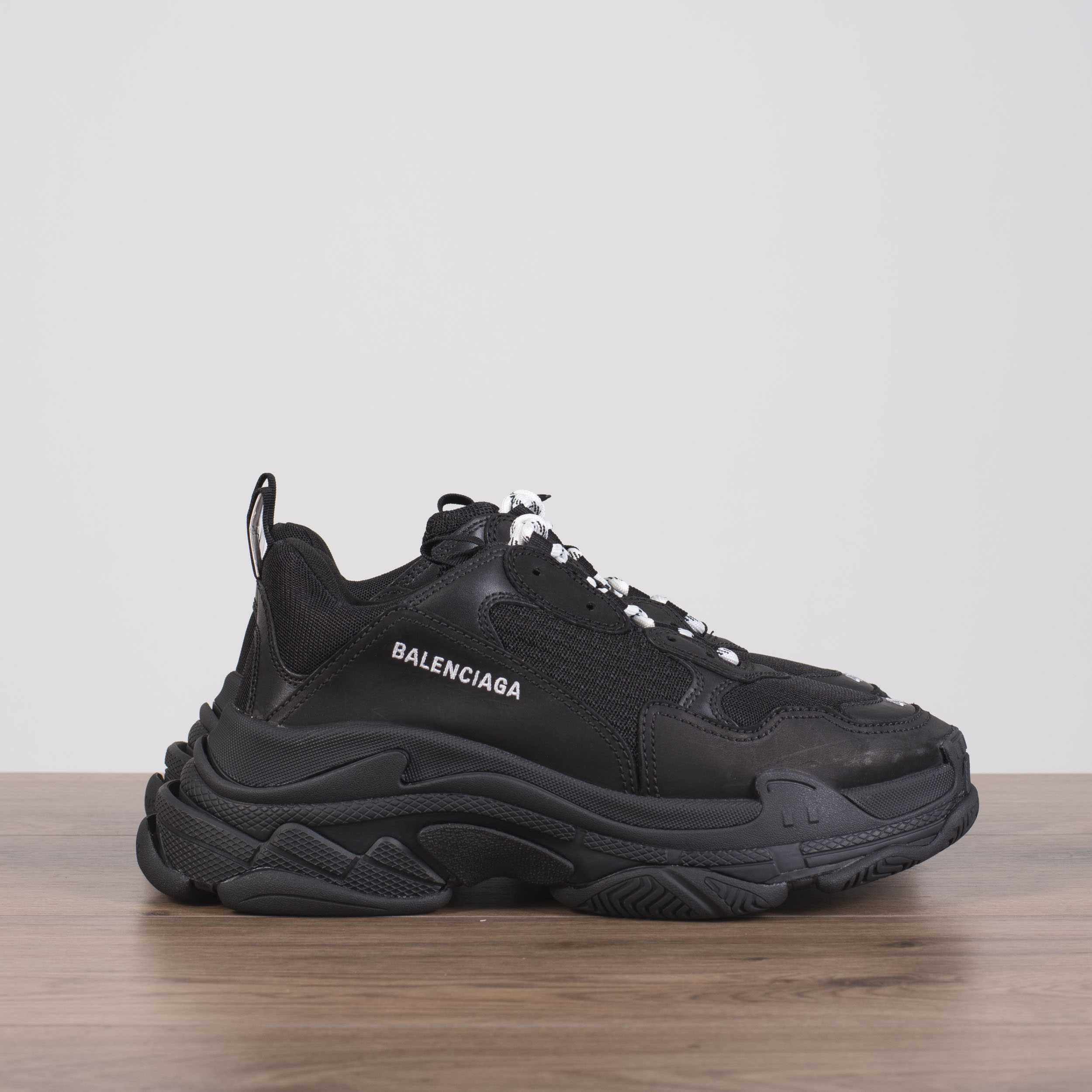 7d7c29bdac8 BALENCIAGA 895  Authentic New Triple S Sneakers In Black