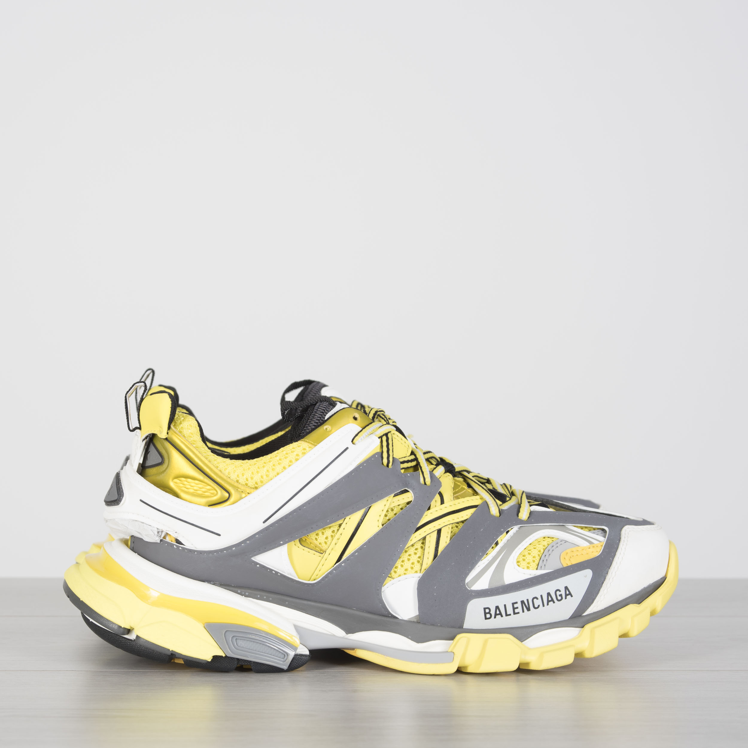 f9efe287c54c Details about BALENCIAGA 895  Track Trainers In Yellow Dark Grey And White  Mesh And Nylon