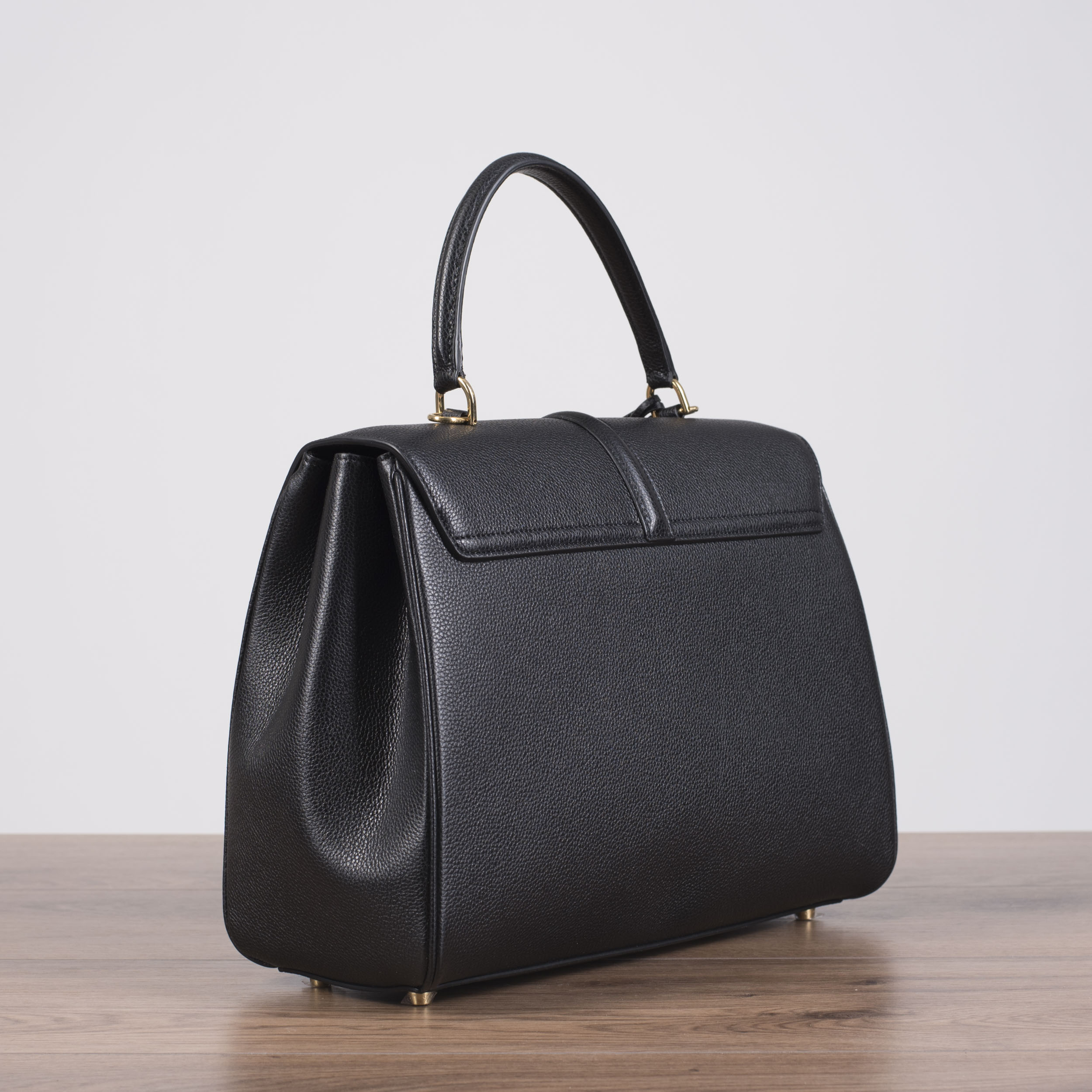 24f1dfc8de08 CELINE 4550  Medium 16 Bag In Black Grained Calfskin