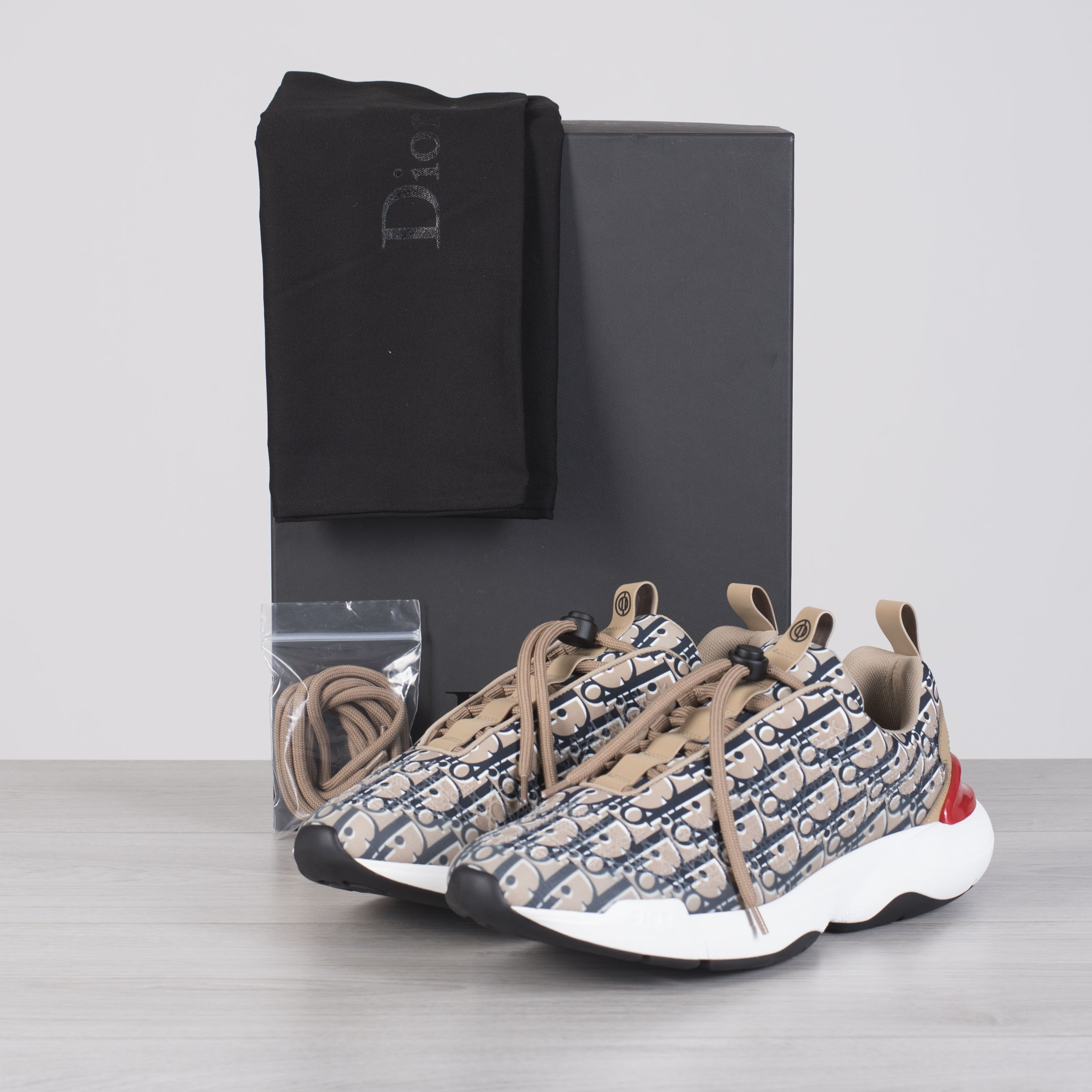65b989ff04 DIOR HOMME 1050$ Beige Dior Oblique 'B24' Sneakers With Cannage ...
