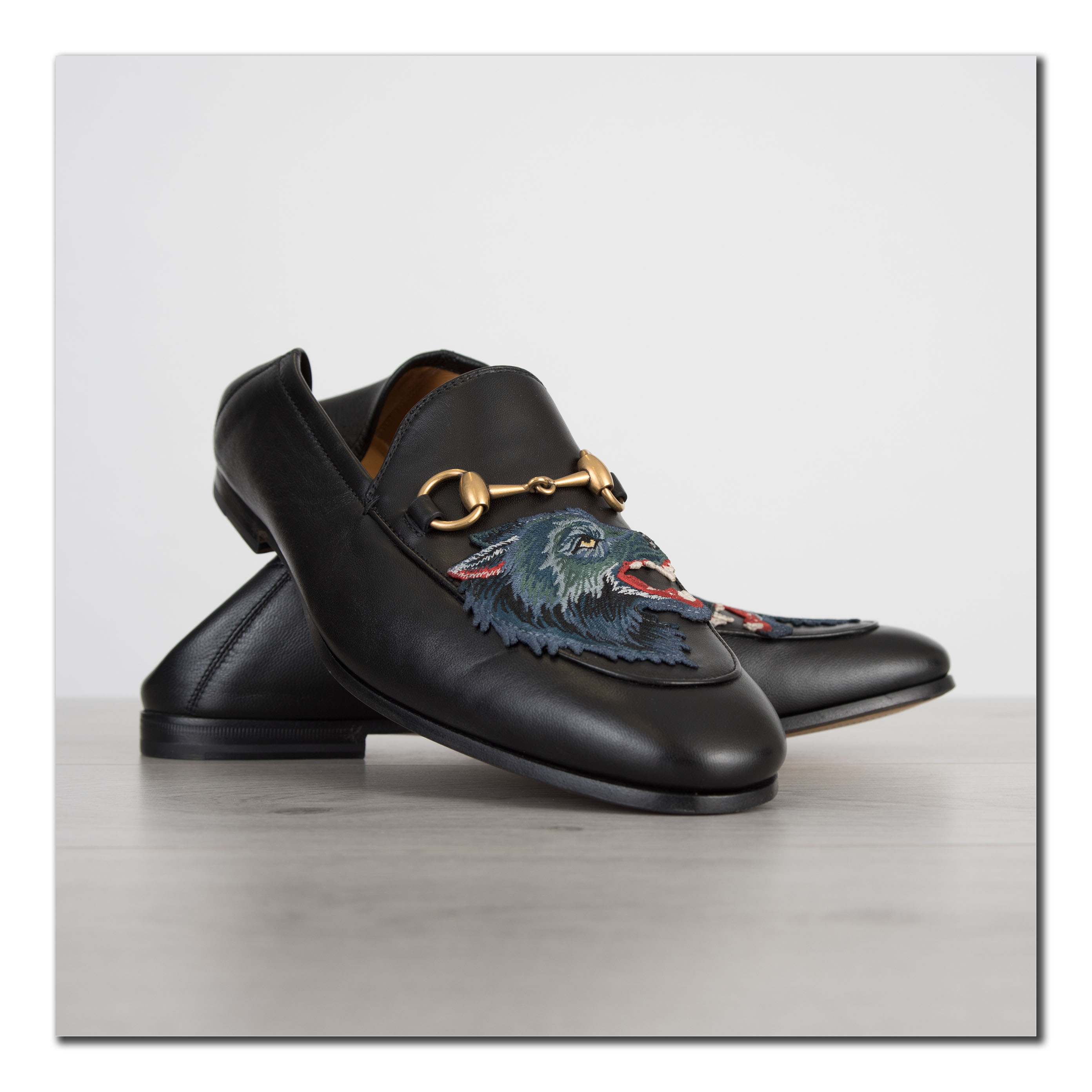 2d94eea1fc4 Details about GUCCI 830  Authentic New Black Leather Loafer With Wolf    Foldable Hele