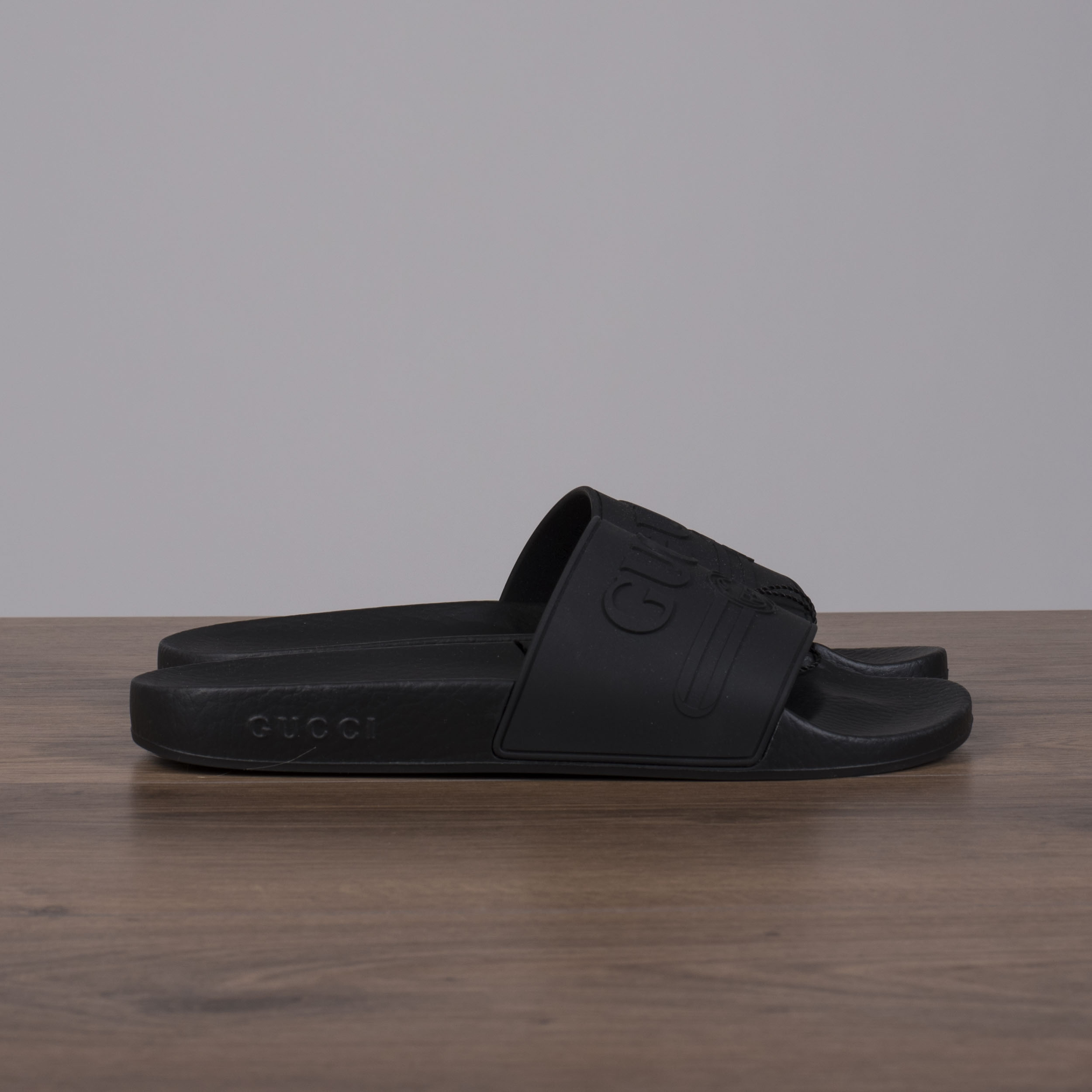 2bb55631b039 Black Rubber New with tags 100% Authentic. — Please copy the image url for  HQ pictures