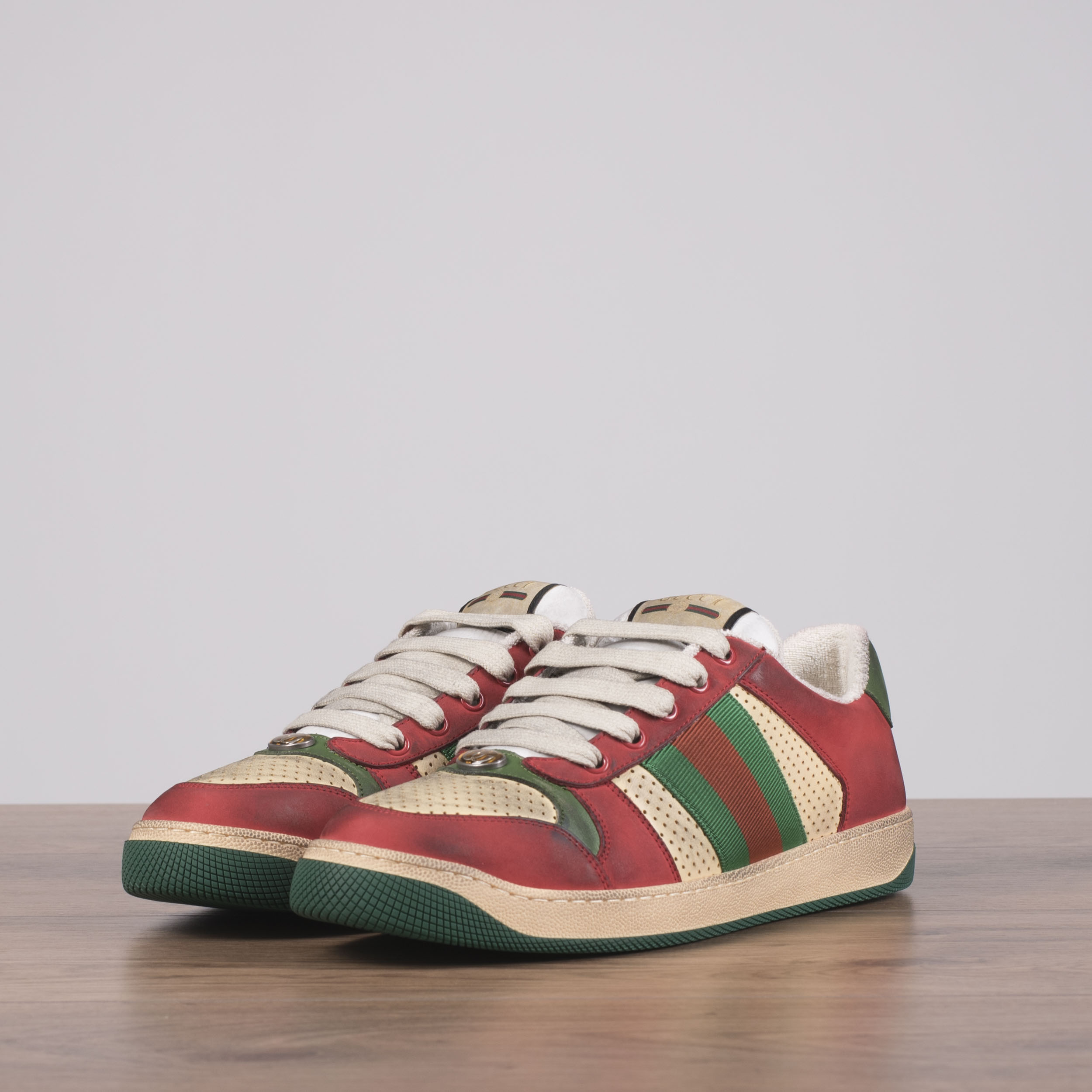 1940eb2871e Details about GUCCI 870  Screener Sneakers In Beige   Red Distressed  Vintage Leather